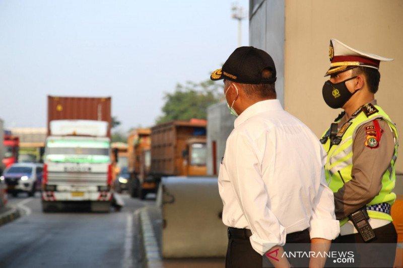 Petugas sekat di perbatasan sulit bedakan pemudik & pekerja