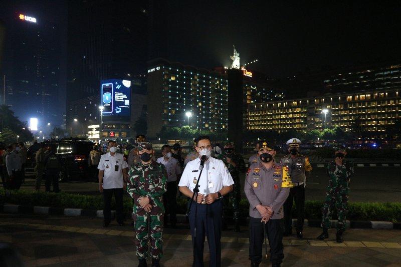 Anies: Warga Jakarta tak mudik jadi pejuang lawan COVID-19