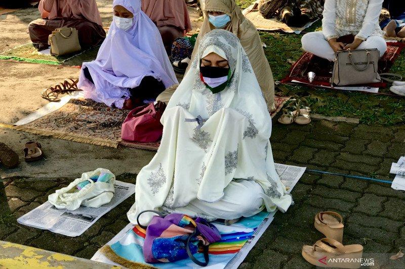 Khatib Masjid Al-Azhar Jakarta mengajak jamaah doakan perjuangan Palestina