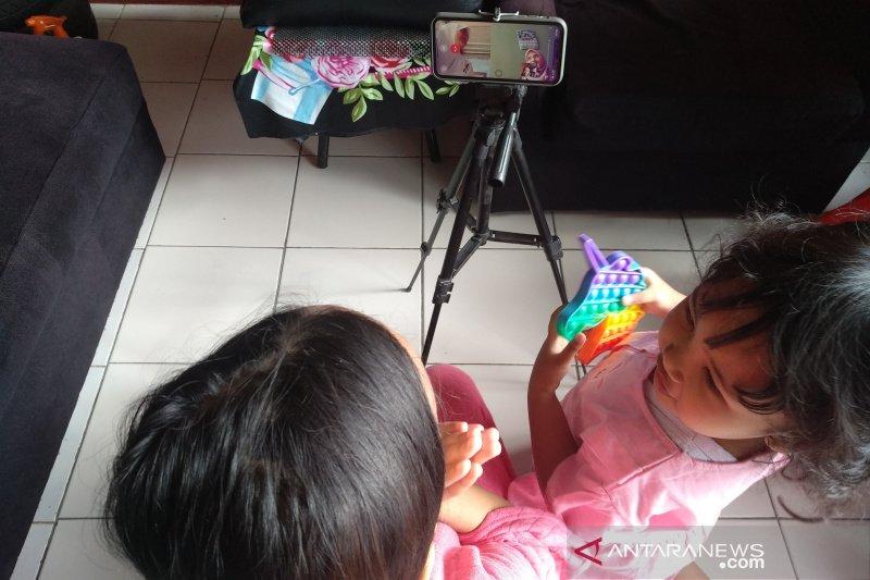 Warga Garut rayakan Idul Fitri dengan silaturahmi virtual