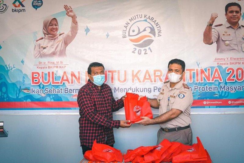 KIPM Kupang salurkan bantuan  ikan segar bagi warga