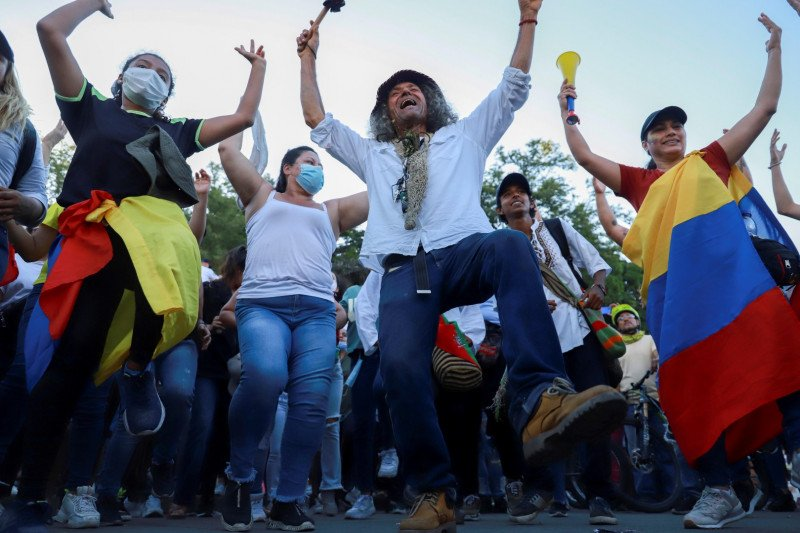Ruang ICU hampir penuh, Kolombia tembus 80.000 kematian COVID