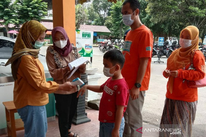 Turun, pengunjung Taman Satwa Taru Jurug Surakarta