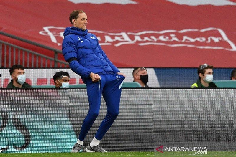 Thomas Tuchel perdana dampingi Chelsea di depan suporter saat final Piala FA