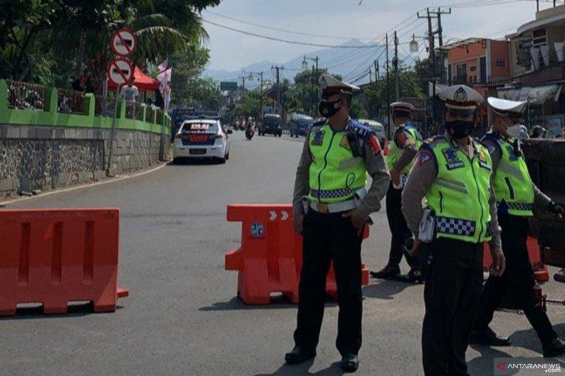 Polres tutup jalur menuju Puncak-Cipanas dari Cianjur