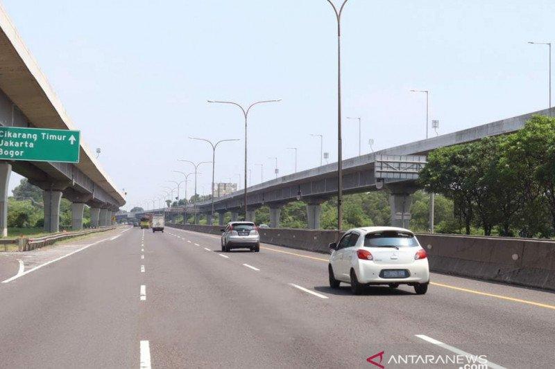 Arus lalu lintas di jalan tol turun hingga 60,8 persen