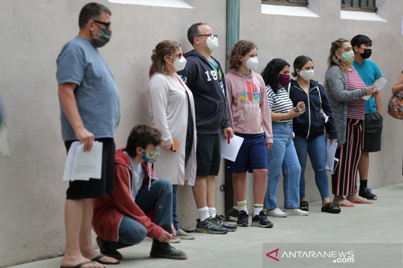 California glontorkan hadiah Rp1,6 triliun untuk promosi vaksinasi