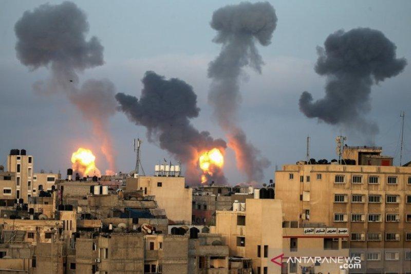 Perang di Gaza, Israel lancarkan serangan udara, Hamas lontarkan roket