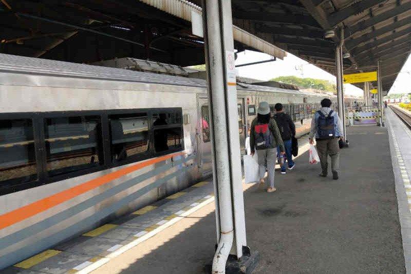 7.097 penumpang dari Daop 3 Cirebon manfaatkan kereta khusus