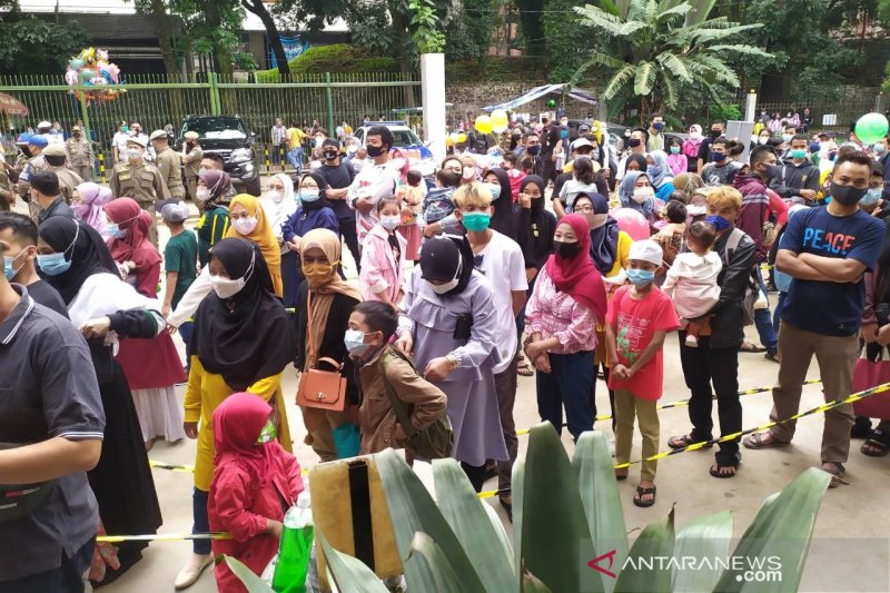 Pemkot Bandung tak tutup tempat wisata meski telah ada kerumunan