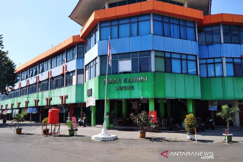 Ribuan pedagang Pasar Kliwon Kudus belum lunasi sewa kios