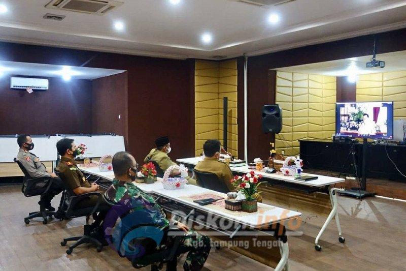 Bupati Lampung Tengah ikuti rapat arahan Presiden tentang prokes COVID-19