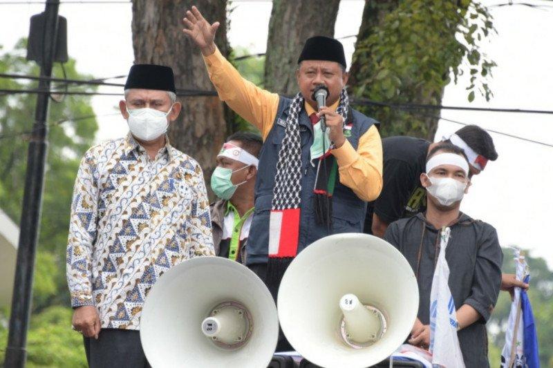 Wagub Jawa Barat bersama buruh serukan dukungan untuk Palestina