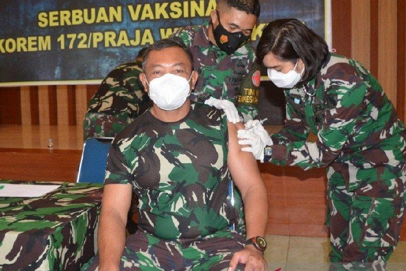 Dua personel  TNI Yonif Linud 432 Kostrad tewas dibacok OTK di Dekai