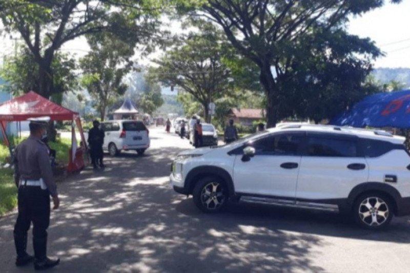Polisi masih lakukan penyekatan pengguna kendaraan di perbatasan Sulbar