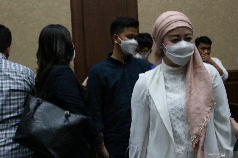 Istri Edhy Prabowo belanja jam, tas, dan syal di tiga kota di Amerika Serikat