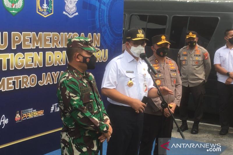 Gubernur Anies inspeksi posko tes cepat antigen arus balik di Kabupaten Bekasi