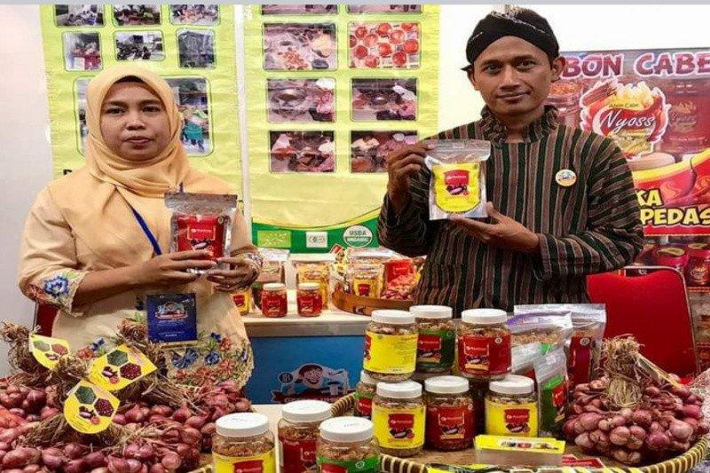 "KWT Putri Manunggal Kulon Progo memproduksi ""Superbram"""