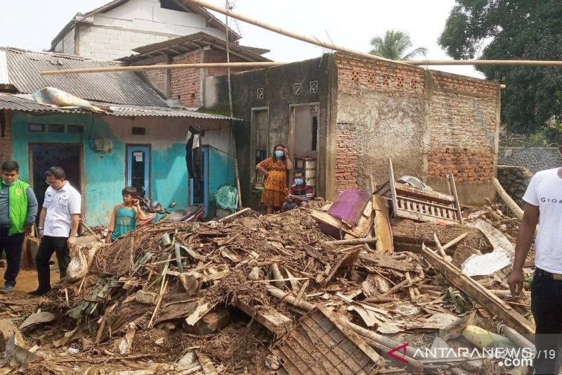 Korban banjir bandang di Cigudeg Bogor butuh air bersih
