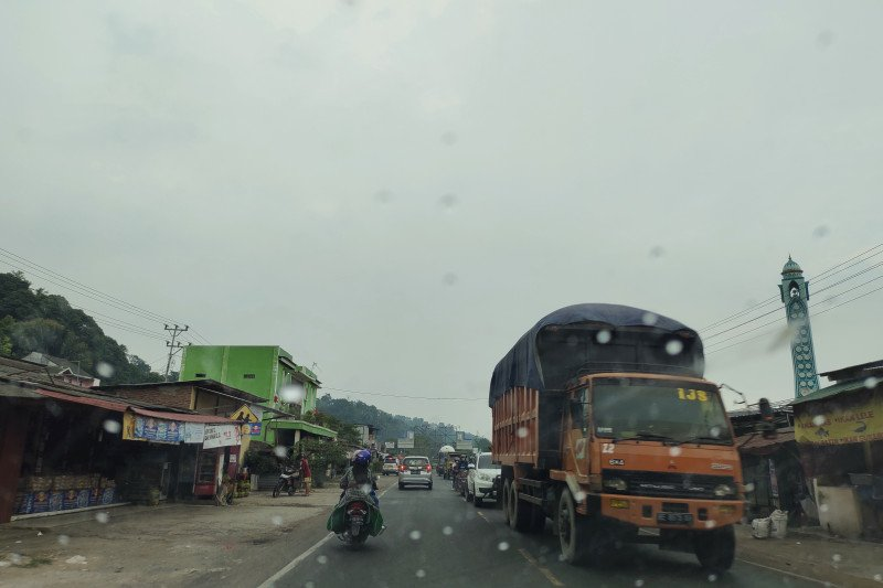 Arus kendaraan lalui Jalinsum belum ramai