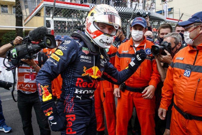 Max Verstappen juarai GP Monako setelah drama girboks Leclerc