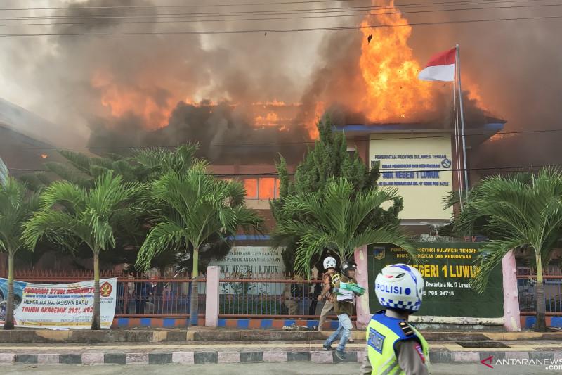 Kebakaran SMKN 1 Luwuk,  api diduga dari rumah penjaga sekolah