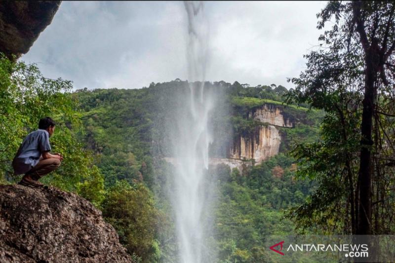 Pemkab Kampar perkenalkan wisata Batu Tilam dengan lomba