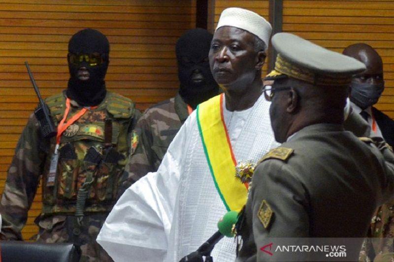 Presiden dan PM Mali dibebaskan militer