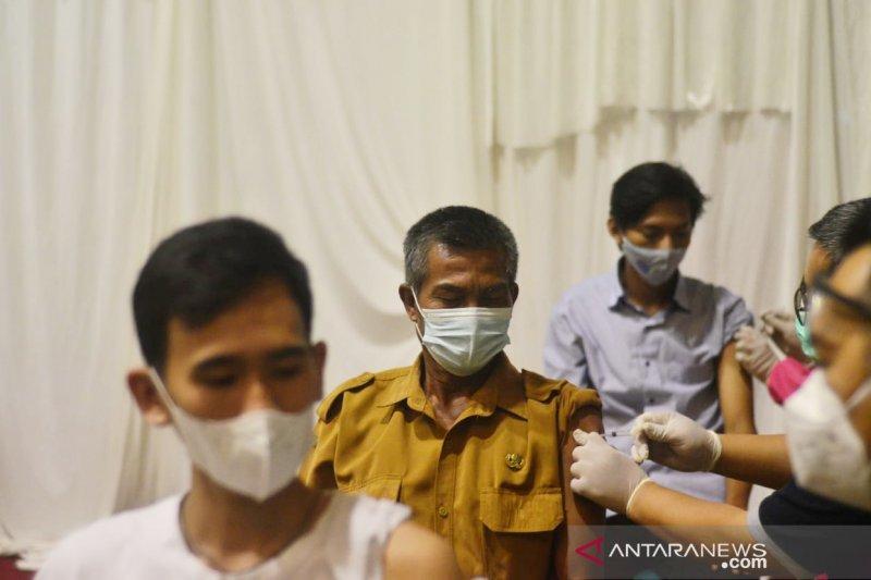 Kabupaten Bogor prioritaskan  60 ribu dosis vaksin untuk lansia
