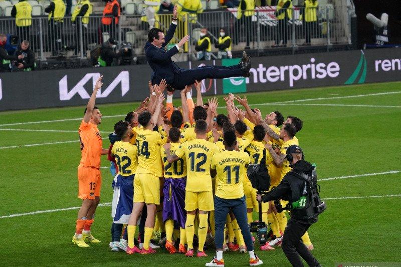 Unai Emery puji dedikasi pemain Villarreal hingga juarai Liga Europa