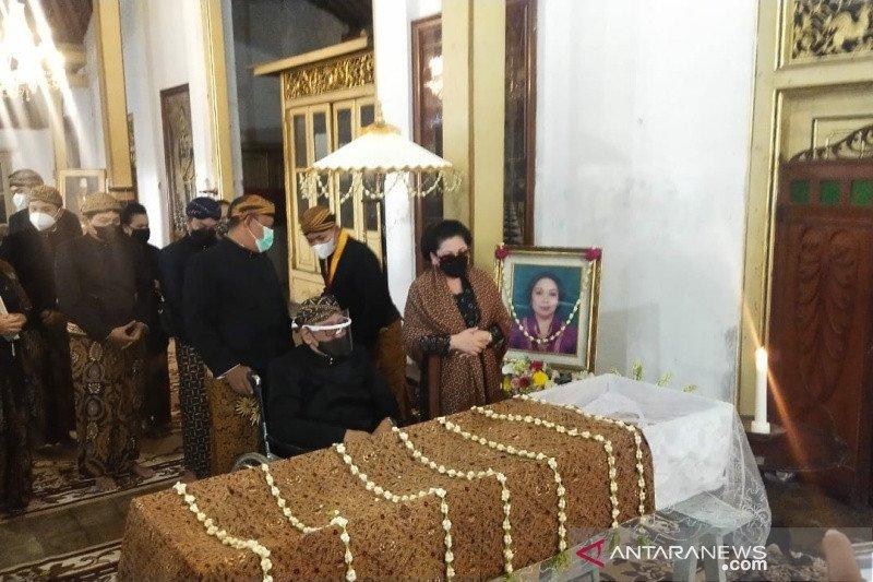 Putri Paku Buwono XII, GKR Retno Dumilah meninggal dunia akibat serangan jantung