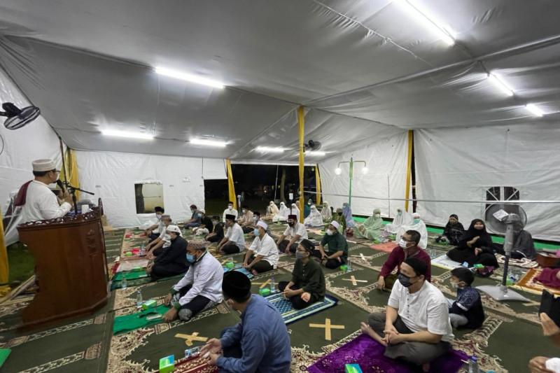 """Pertama kali shalat gerhana  di Tenda """"Arafah"""" Masjid At Tabayyun, ini suasananya"""
