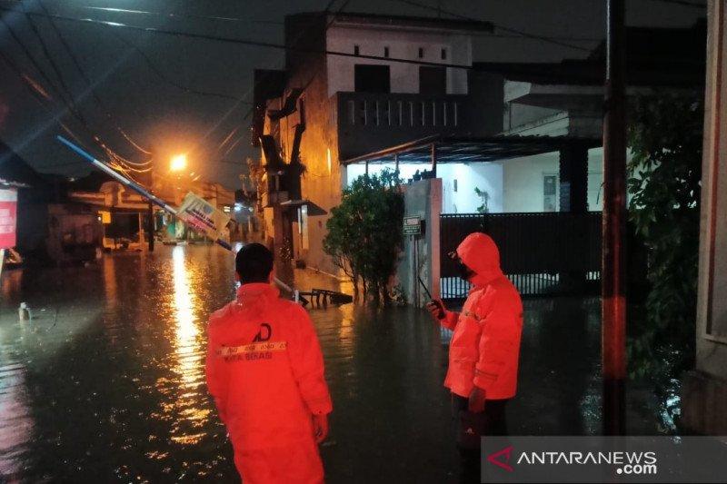 Tujuh titik di Kota Bekasi terendam banjir akibat hujan lebat
