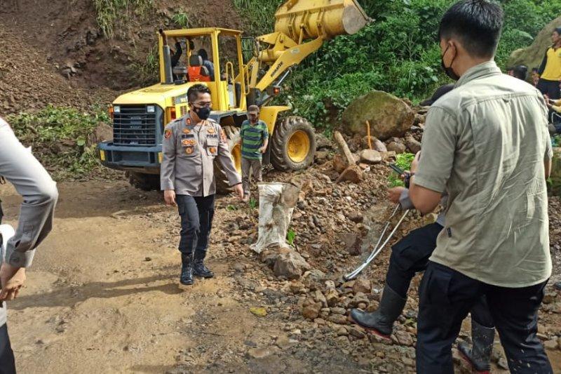 Ruas jalan penghubung Provinsi Banten dan Jabar sudah bisa dilintasi