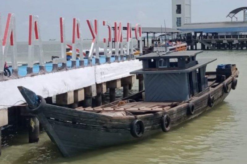 Kapal pengangkut 13 ton BBM ilegal berhasil diamankan TNI AL