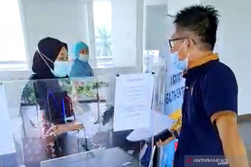 Penumpang di Bandara SMB II Palembang mengamuk karena hasil  tes COVID-19 keliru