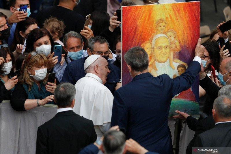 Paus Fransiskus tolak pengunduran diri kardinal Jerman atas krisis pelecehan
