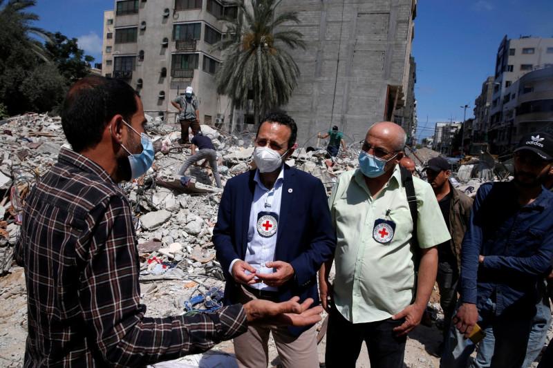 Israel membom lokasi Hamas di Gaza, pembalasan atas balon api