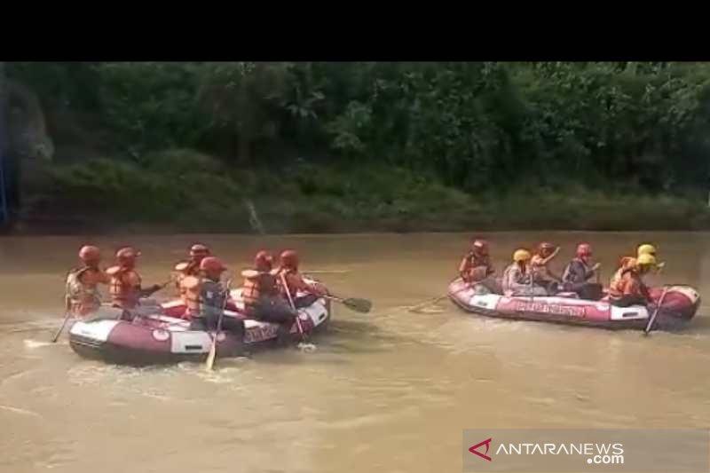 Yongki diduga hanyut di Sungai Lungge Temanggung, 200 petugas dikerahkan mencari