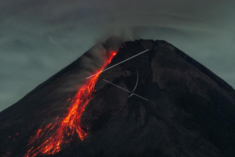 Gunung Merapi luncurkan guguran lava pijar sejauh 1.500 meter