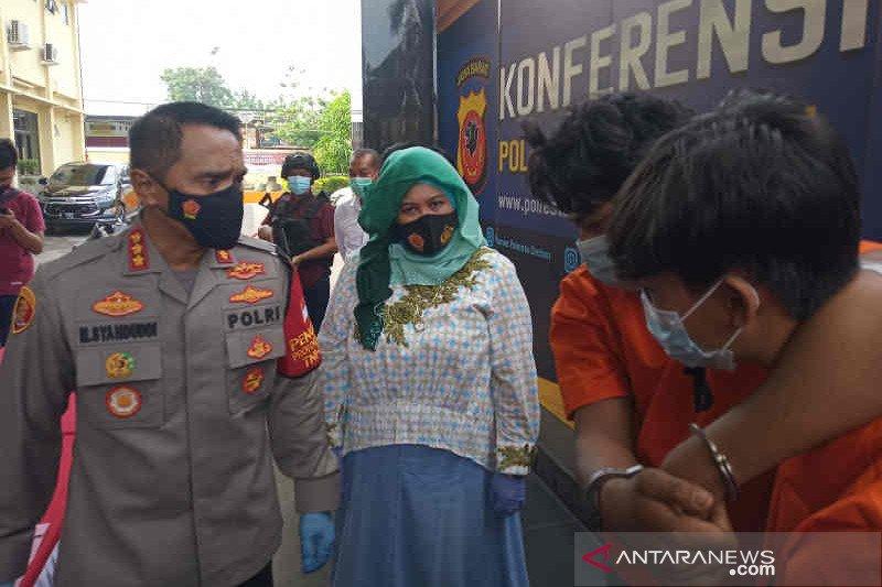 Polisi Cirebon tangkap empat pencuri dengan kekerasan gunakan golok