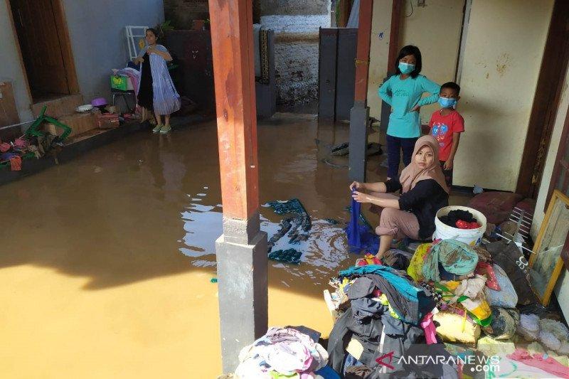 BPBD Bandung bangun posko darurat banjir bandang Solokan Jeruk