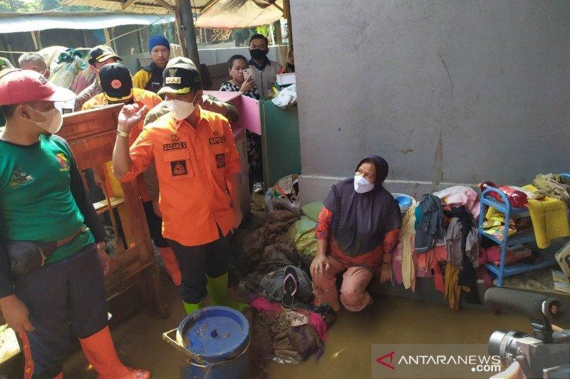 Bupati Bandung: Banjir bandang akibat normalisasi sungai terhambat