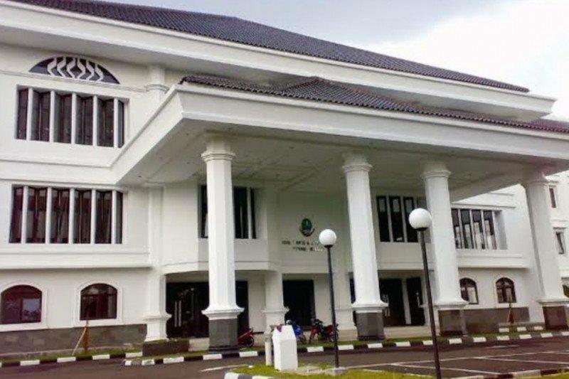 Kinerja DPRD Jabar tidak terganggu meski Gedung Sate ditutup