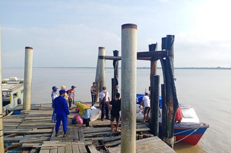 Satpolair Meranti gencar ingatkan penumpang dan ABK di pelabuhan desa soal prokes