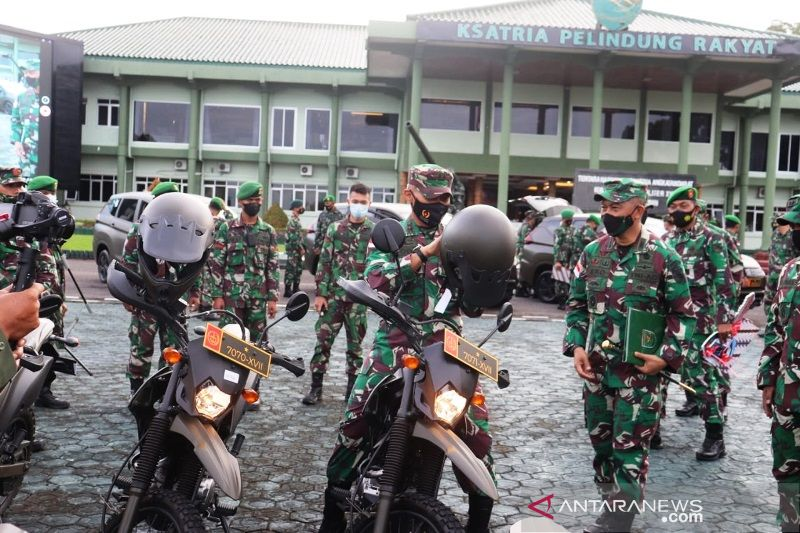 Pangdam XVII/Cenderawasih serahkan 134 kendaraan operasional satuan TNI AD