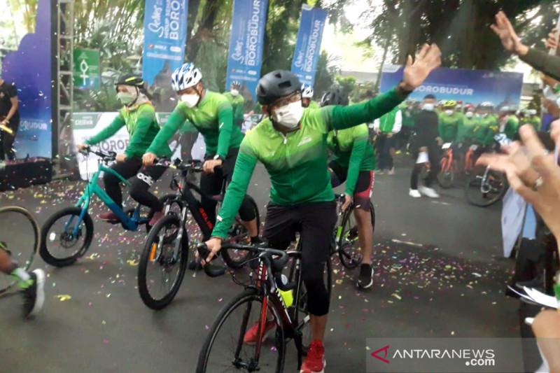 Menparekraf ikut gowes dari Yogyakarta ke Candi Borobudur