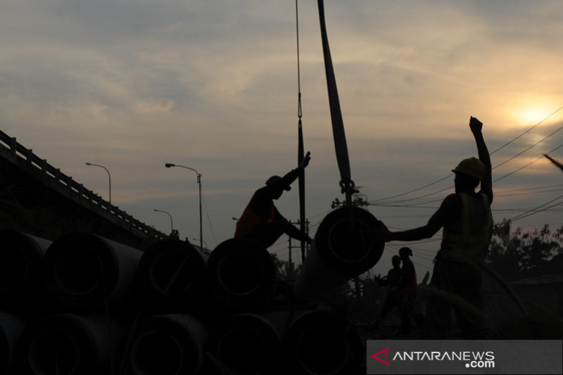 Perbaikan  pondasi Jembatan Keramasan