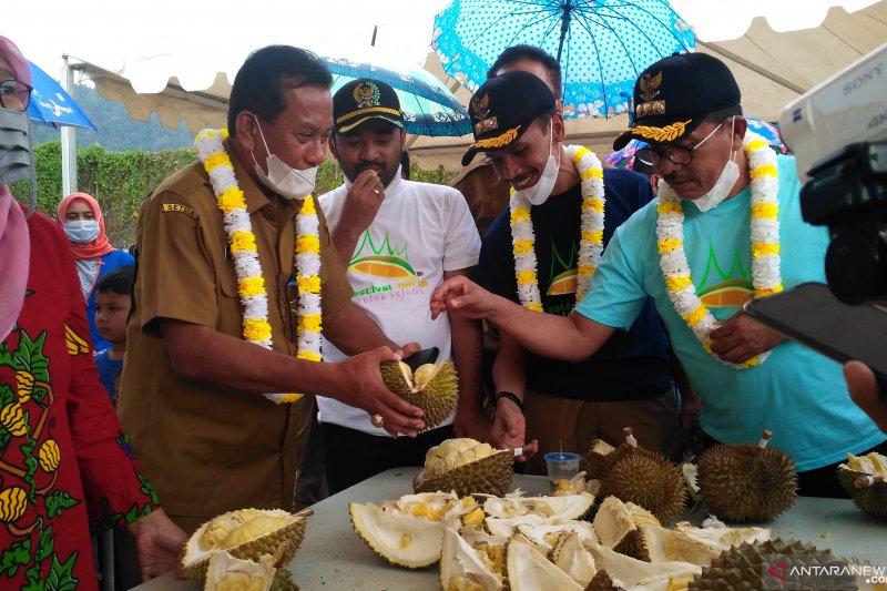 Agar mudah dikenali dan bisa diekspor, ditunggu nama durian lokal unggul dari Solok Selatan