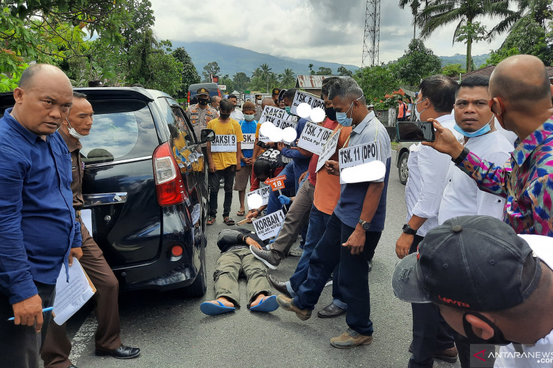 Penghakiman massa terhadap pengusaha CCTV  di Padang Pariaman direka ulang, 11 tersangka dihadirkan
